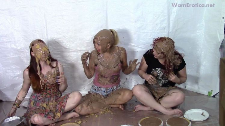 3-girl-pie-game-2_3